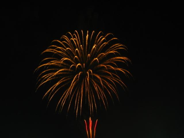 2008、村の花火.12