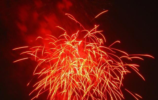 2008、村の花火.11