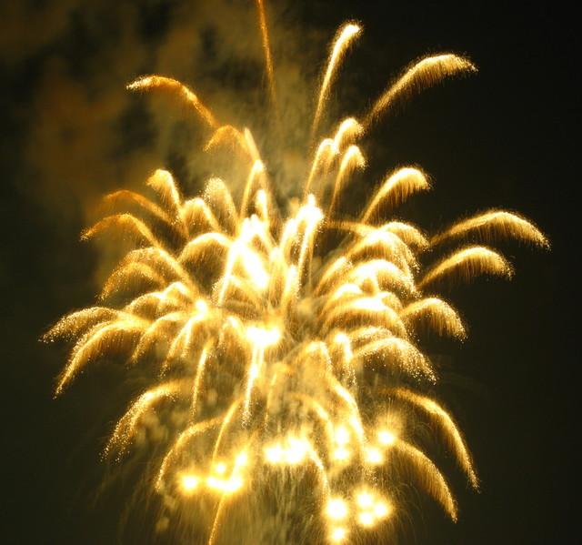 2008、村の花火.5
