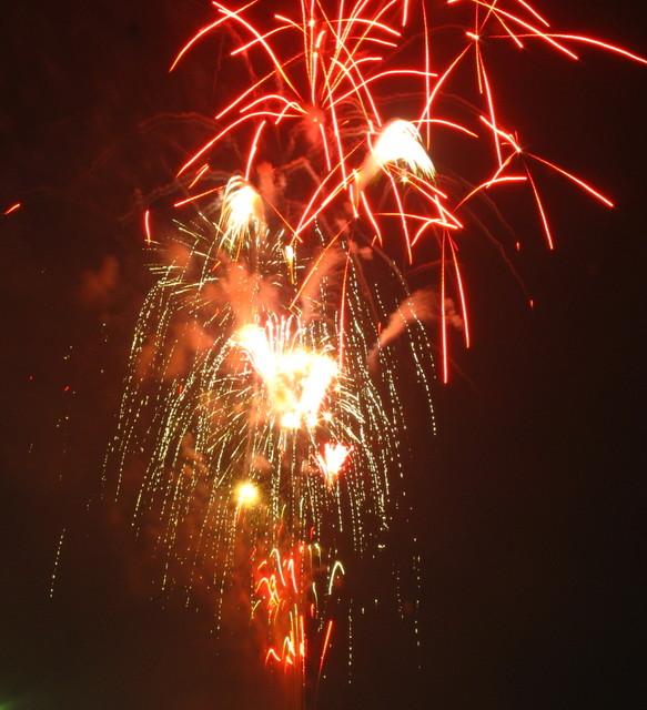 2008、村の花火.4