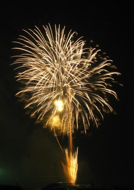 2008、村の花火.3