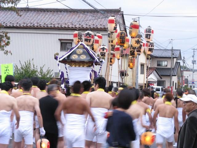 安達太良神社祭礼・裸神輿(はだかみこし)