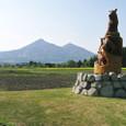磐梯山と十二支のオブジェ