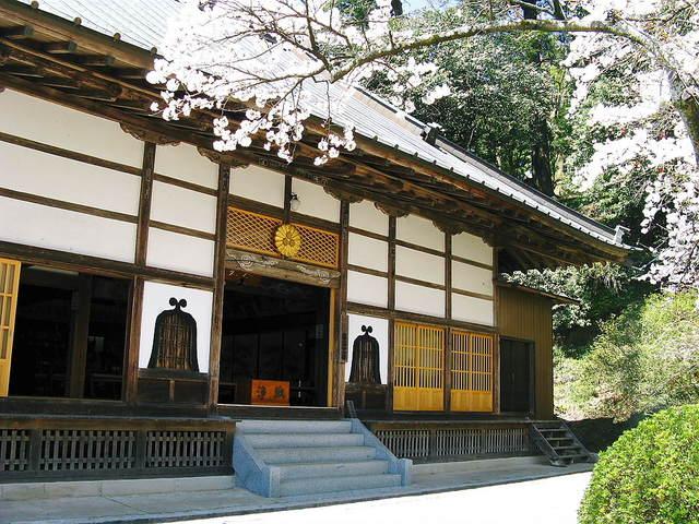 岩角寺の本堂
