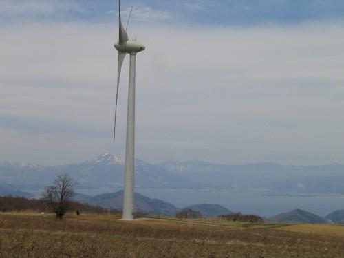 Img_1499 風車と会津の景色